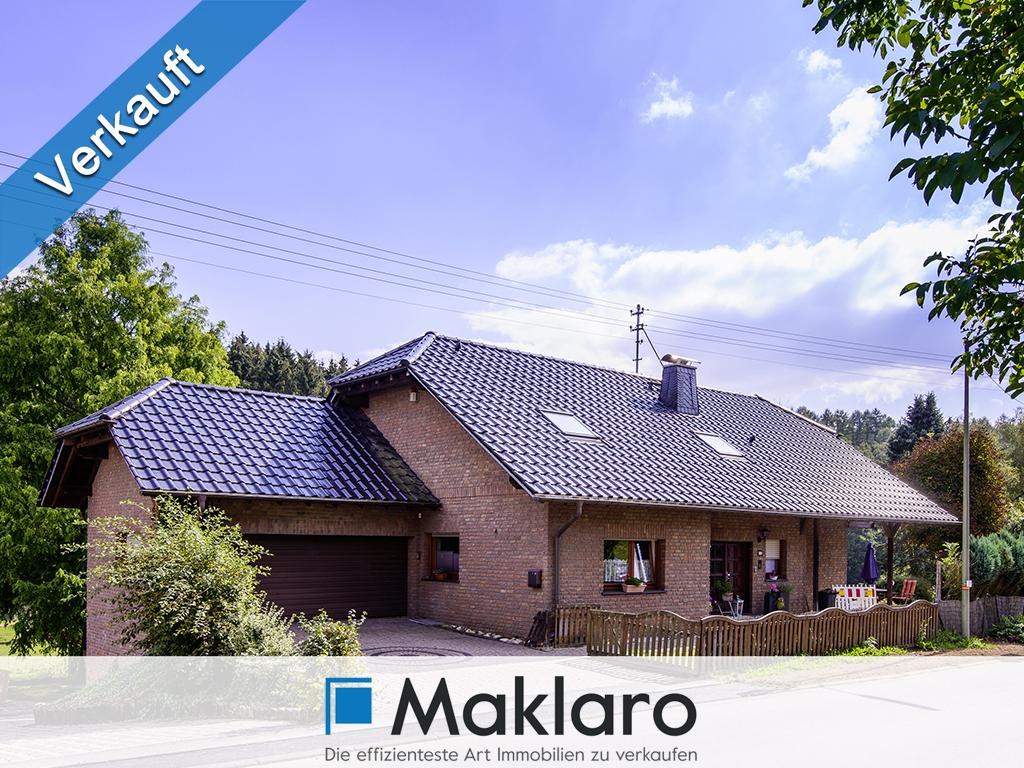Einfamilienhaus mit Garage und Einliegerwohnung in Freudenberg