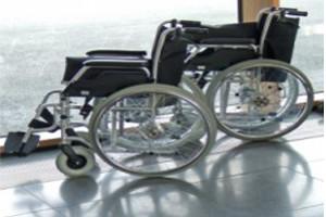 Rollstuhl als Zeichen von Barrieren