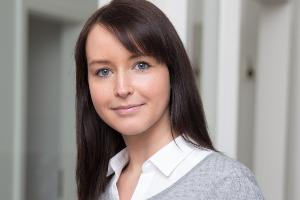 Viktoria Brandtner, Maklaro