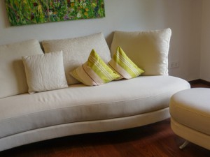 Gemütliches Sofa als Home Staging Maßnahme